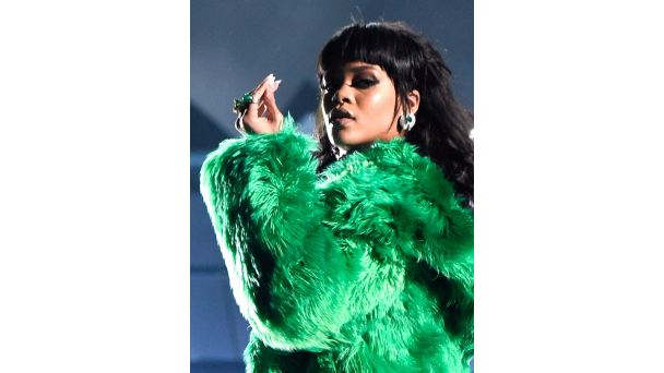 Will Rihanna have to pay a B*tch lots of Money?