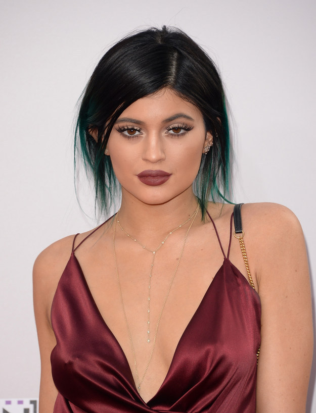 """The """"Big Secret"""" is finally out- Kylie admits her lips are Fake"""