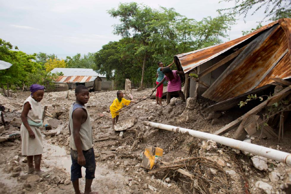 St. Kitts-Nevis Pledges $1M EC To Dominica in Aid Of Relief Efforts