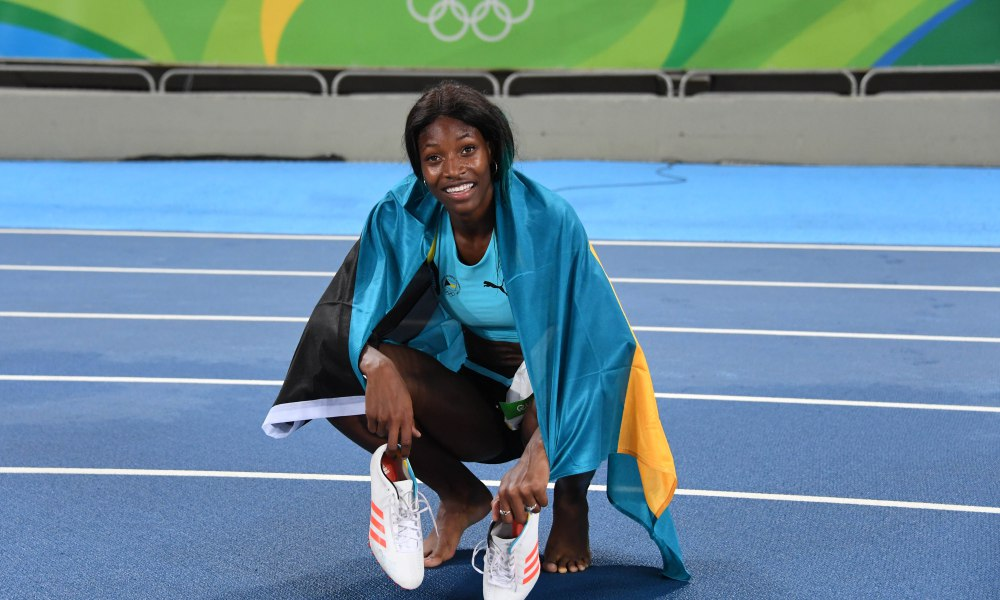 Shaunae Miller captures gold in dramatic fashion