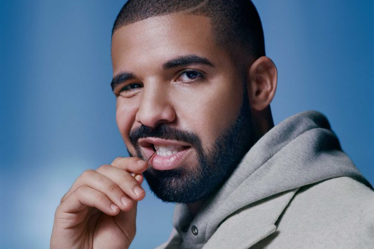 "Drake's ""Views"" Becomes First Album To Hit 1 Billion Streams On Apple Music"